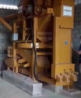 Parte da estrutura do secador de café em seu momento de inauguração